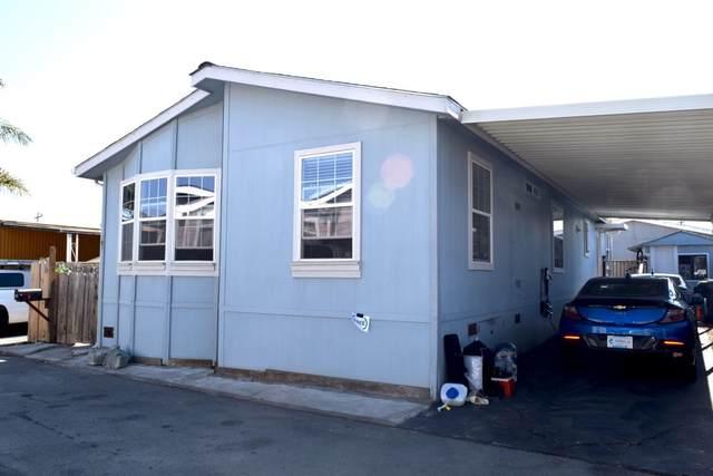 49 Blanca Lane #508, WATSONVILLE, CA 95076 (#ML81861356) :: Realty World Property Network