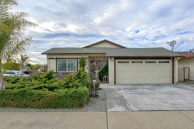605 Almond Drive, WATSONVILLE, CA 95076 (#ML81866637) :: Blue Line Property Group