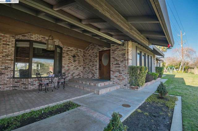1173 Beard, Waterford, CA 95386 (#40957894) :: Realty World Property Network