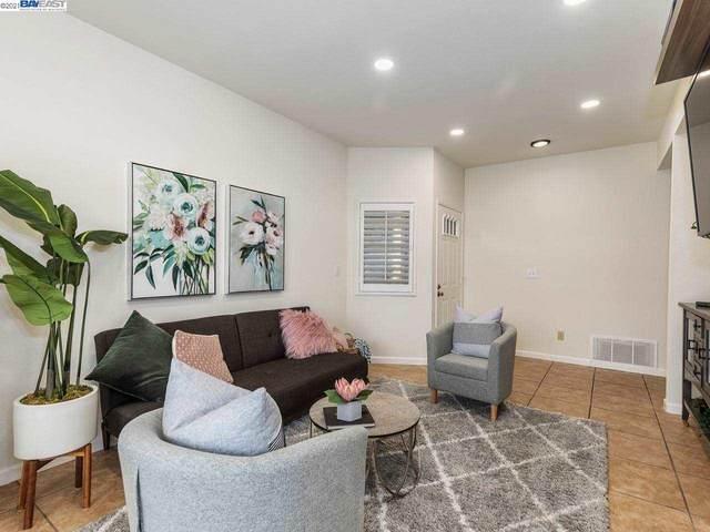 7730 Canyon Meadow Cir A, Pleasanton, CA 94588 (#40959780) :: Armario Homes Real Estate Team