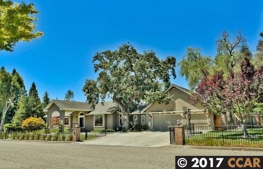 70 Vernal Court, Alamo, CA 94507 (#40791028) :: Realty World Property Network