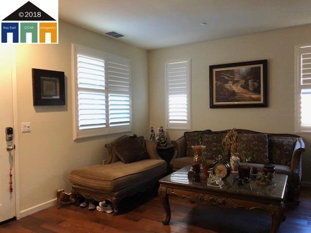 1424 Couples Cir, Fairfield, CA 94533 (#40831945) :: Armario Venema Homes Real Estate Team