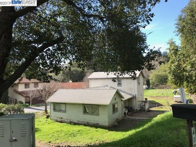 4874 Crow Canyon Rd, Castro Valley, CA 94552 (#40853424) :: The Grubb Company