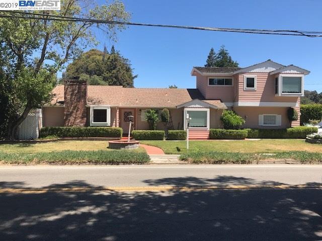 22558 Center St, Hayward, CA 94541 (#40874401) :: J. Rockcliff Realtors