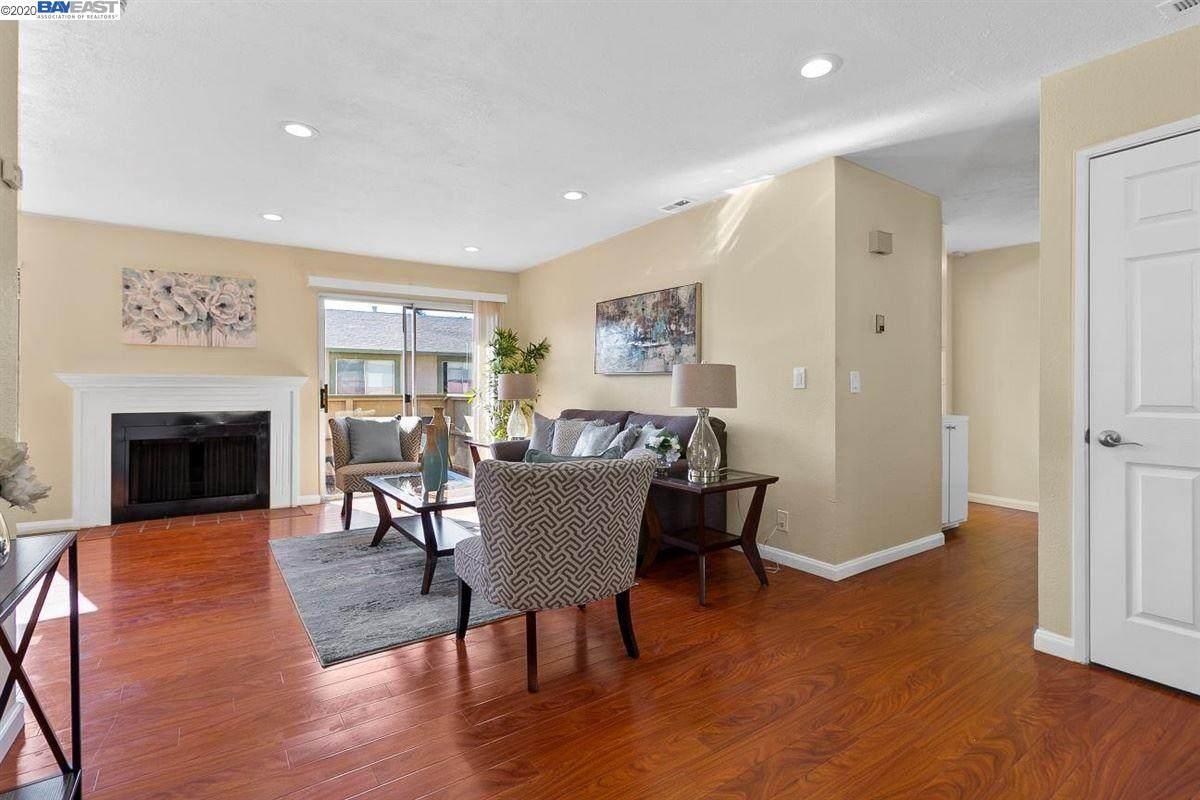 46974 Lundy Terrace - Photo 1