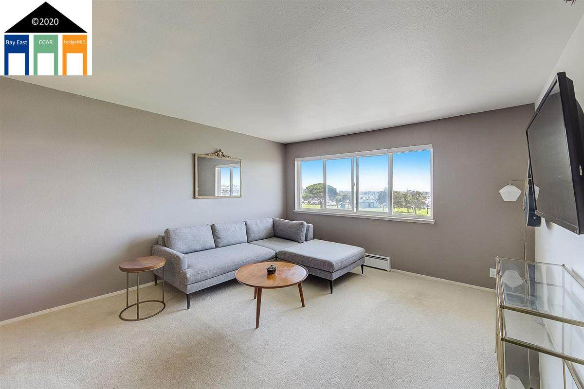 1205 Melville Sq - Photo 1