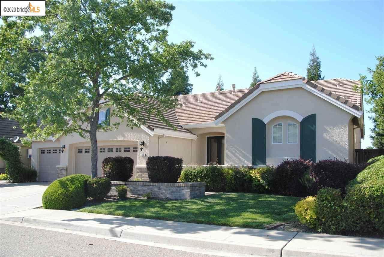 521 Oakhurst Terrace - Photo 1