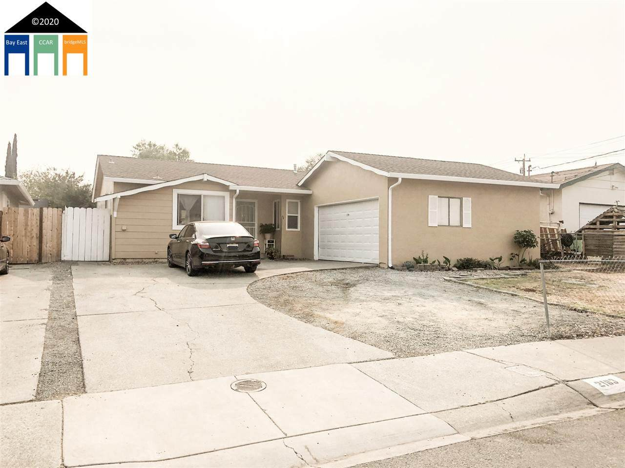 2183 Goff Ave - Photo 1