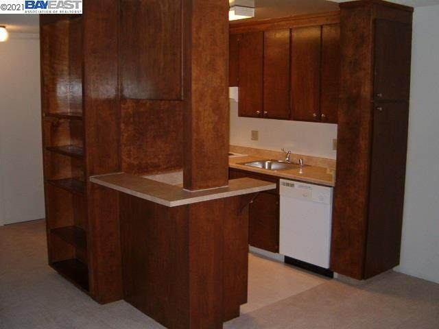1036 Oak Grove Rd #50, Concord, CA 94518 (#40934701) :: Real Estate Experts