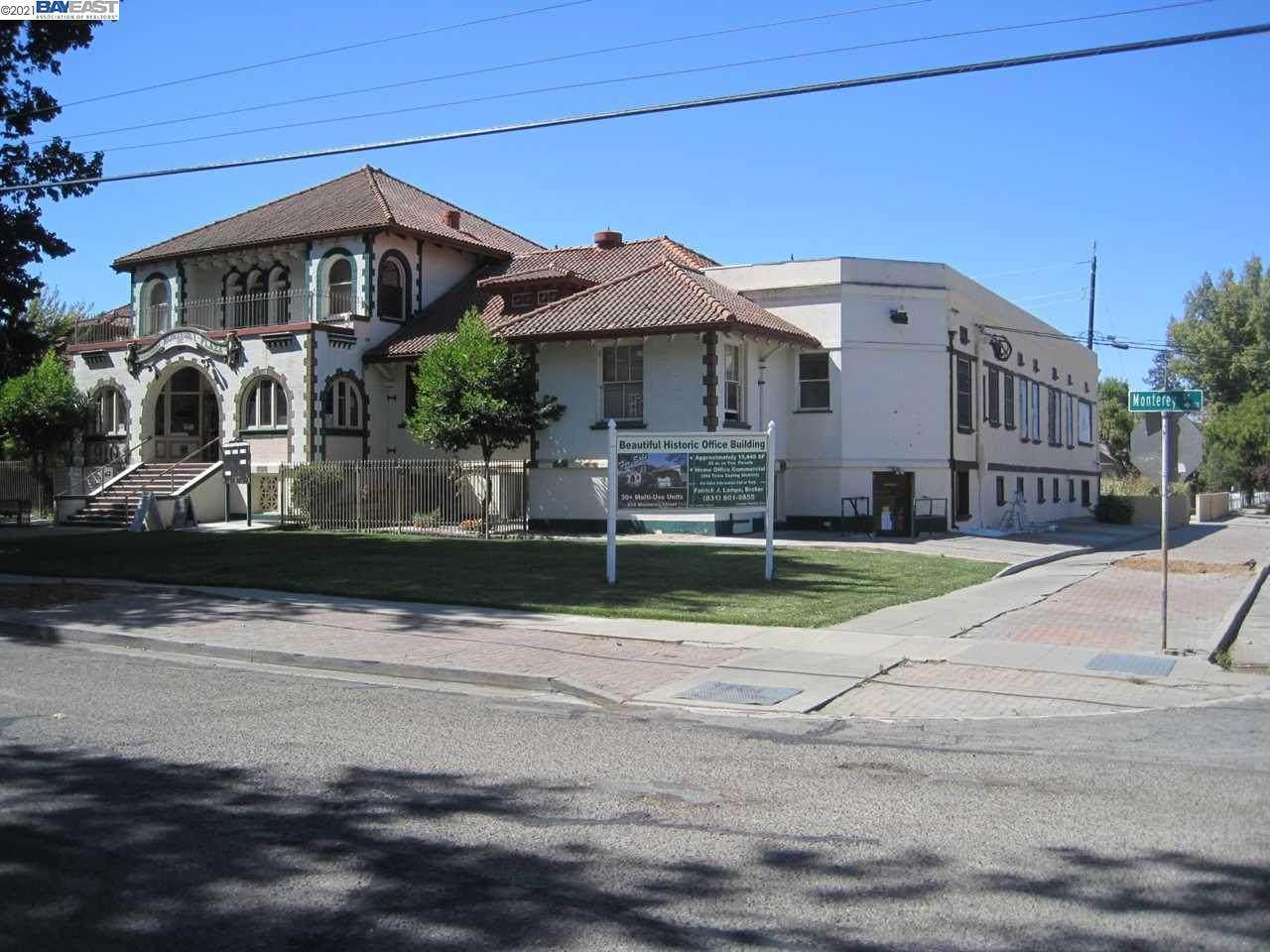 910 Monterey Street - Photo 1