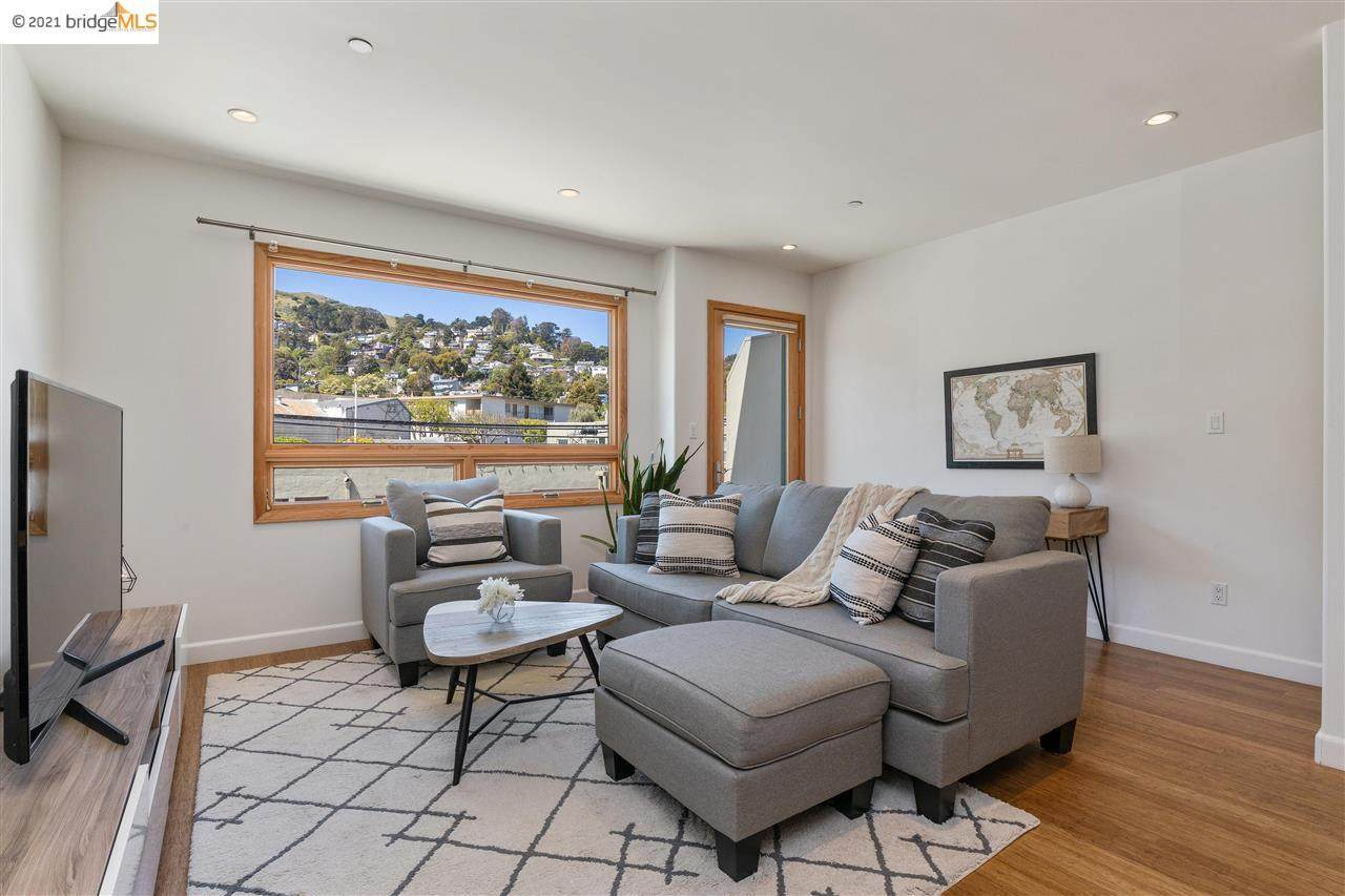 1 San Bruno Ave - Photo 1
