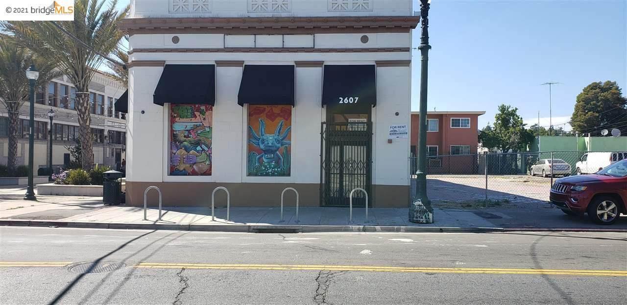 2607 Seminary Ave - Photo 1
