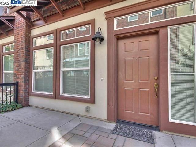 879 Gaspar Vis, San Jose, CA 95126 (#40967552) :: Realty World Property Network