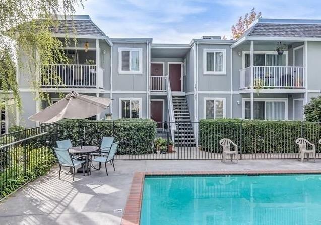 1574 Sunnyvale Avenue #35, Walnut Creek, CA 94597 (#ML81743142) :: The Grubb Company