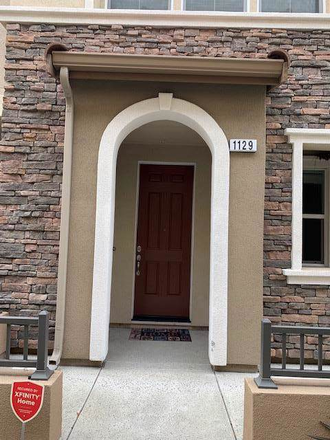 1129 Martin Luther King Drive, Hayward, CA 94541 (#ML81775542) :: Armario Venema Homes Real Estate Team