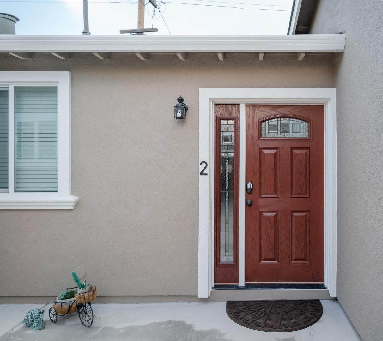 879 Linda Vista Avenue - Photo 1