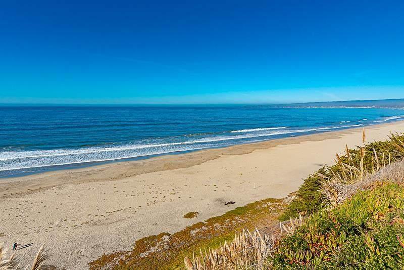 528 Seascape Resort Drive - Photo 1