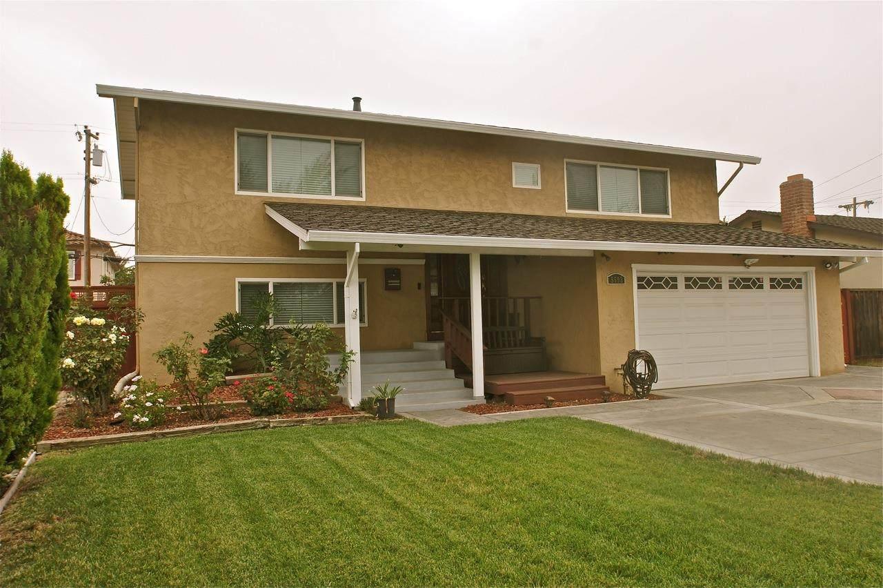 5592 Sunny Oaks Drive - Photo 1