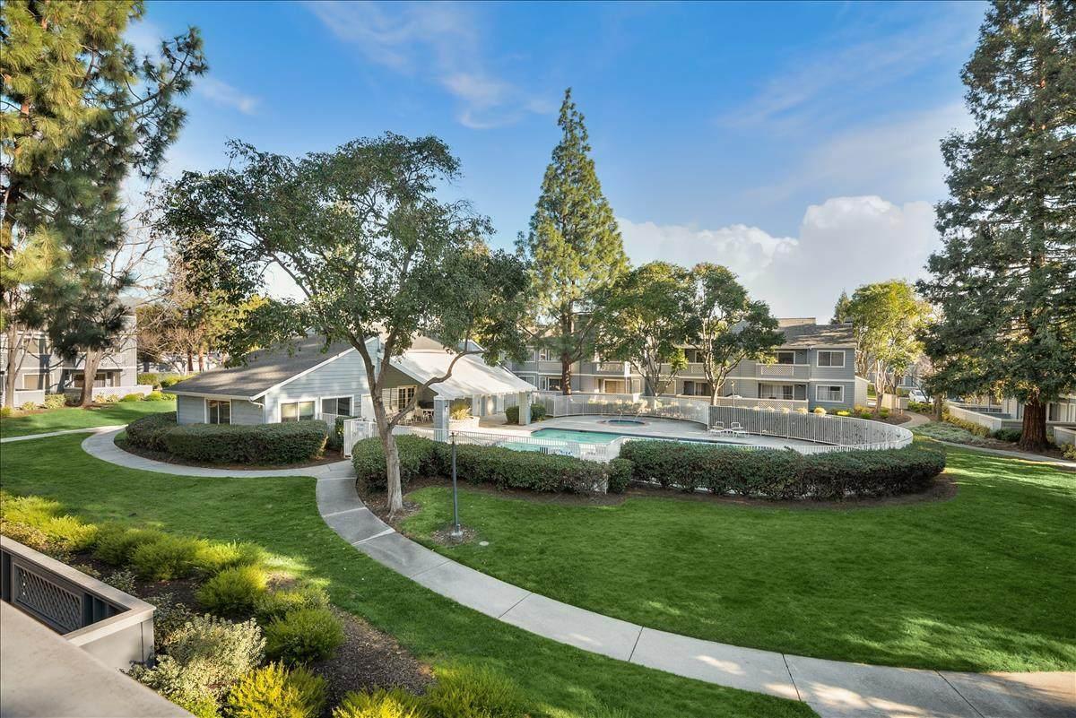 1520 Four Oaks Circle - Photo 1