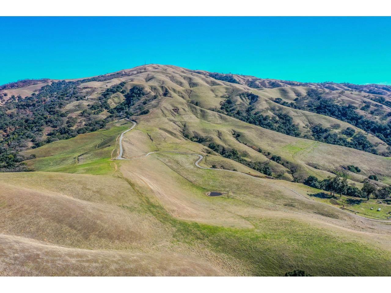 389 San Benancio Road - Photo 1