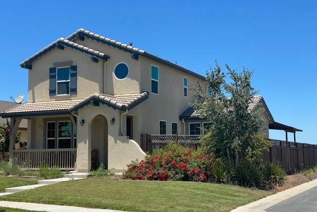 420 Lewis Street, King City, CA 93930 (#ML81849854) :: The Grubb Company