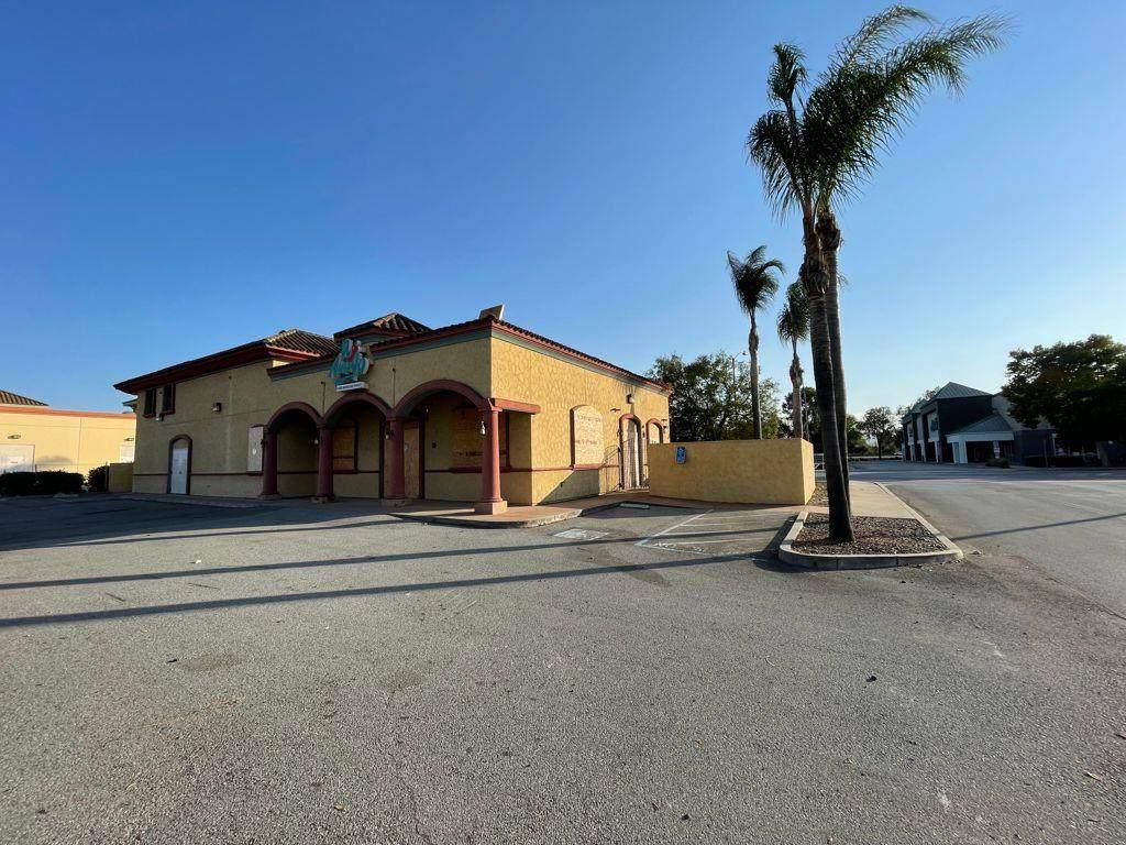 8800 San Ysidro Avenue - Photo 1