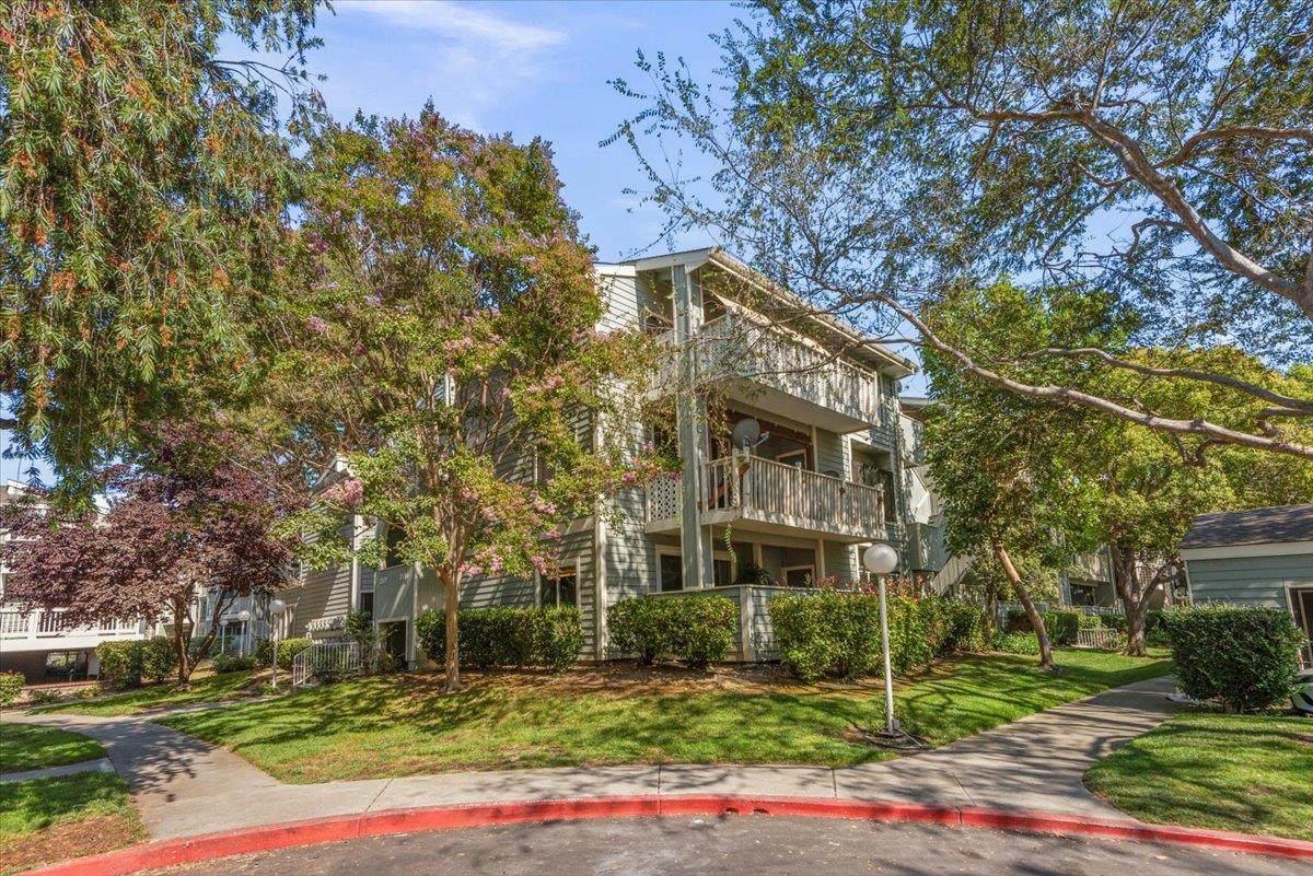 3514 Birchwood Terrace - Photo 1