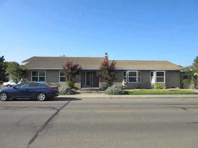 1453 W Tokay Street, Lodi, CA 95242 (#ML81721204) :: The Grubb Company