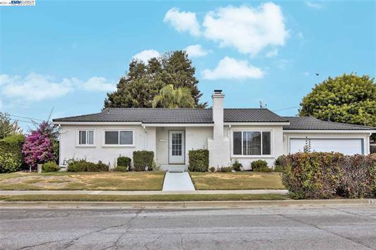 6263 Castillon Drive, Newark, CA 94560 (#ML81722524) :: Estates by Wendy Team