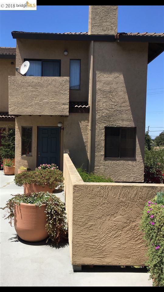 2830 21st Street #30, San Pablo, CA 94806 (#40833288) :: Armario Venema Homes Real Estate Team
