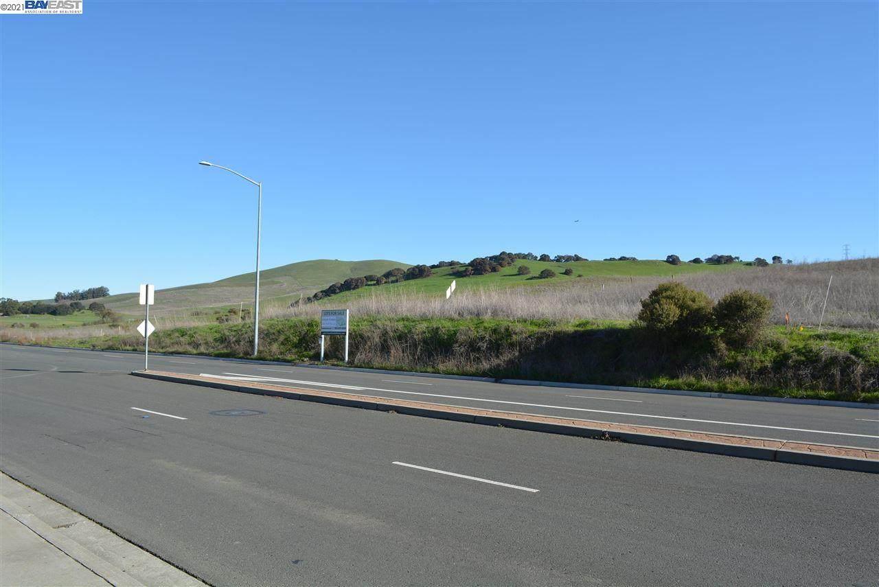 2025 Newell Drive, Lot 7 - Photo 1