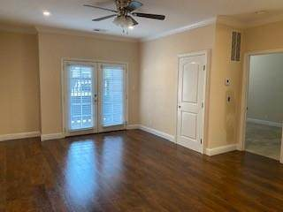429 Laurel Drive - Photo 1