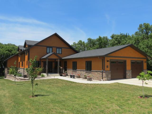20003/8 Oak Hill Place, Lake Hendricks, MN 56136 (MLS #18-310) :: Best Choice Real Estate