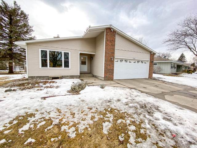 1734 Orchard Drive, Brookings, SD 57006 (MLS #21-105) :: Best Choice Real Estate