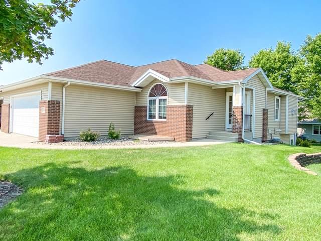 2022 Monarch Lane, Brookings, SD 57006 (MLS #21-512) :: Best Choice Real Estate