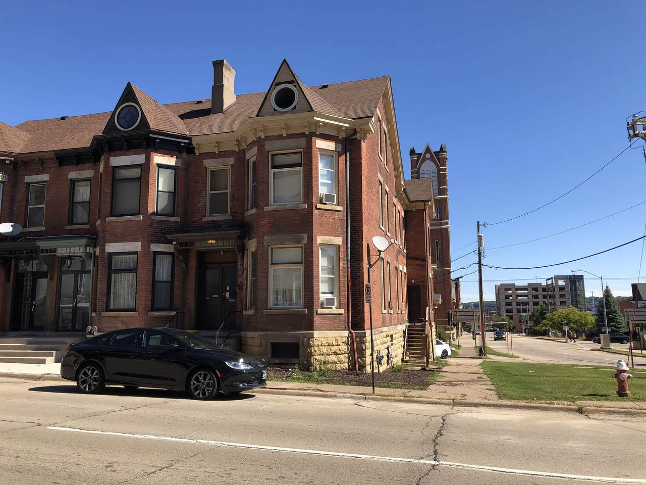 1004 Bluff Street - Photo 1