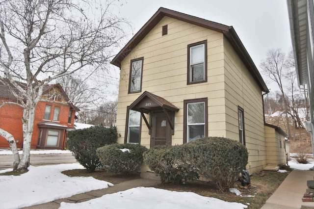 203 Wisconsin Avenue, East Dubuque, IL 61025 (MLS #141657) :: EXIT Realty Dubuque, Dyersville & Maquoketa