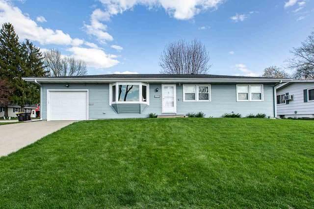 1090 Hiawatha Drive, East Dubuque, IL 61025 (MLS #142144) :: EXIT Realty Dubuque, Dyersville & Maquoketa