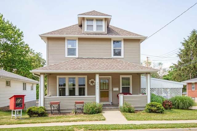 2045 Delaware Street, Dubuque, IA 52001 (MLS #142591) :: EXIT Realty Dubuque, Dyersville & Maquoketa