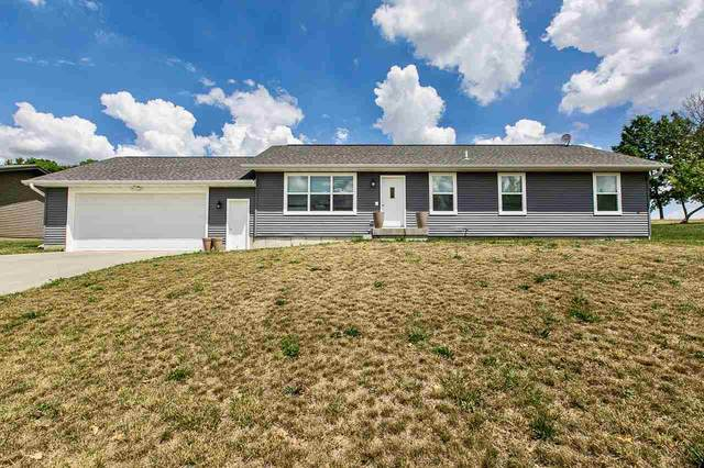 900 7th Ave Nw, Dyersville, IA 52040 (MLS #142671) :: EXIT Realty Dubuque, Dyersville & Maquoketa