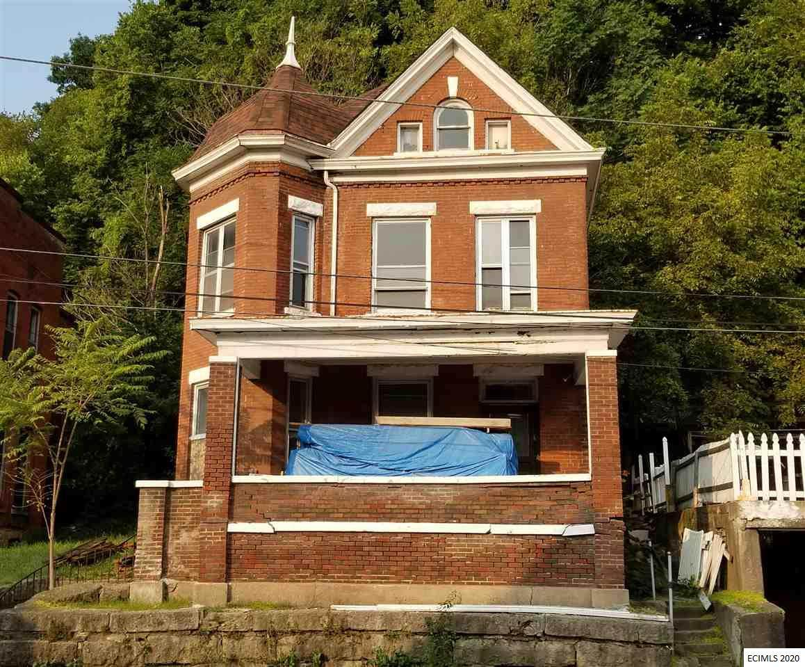 945 Bluff Street - Photo 1