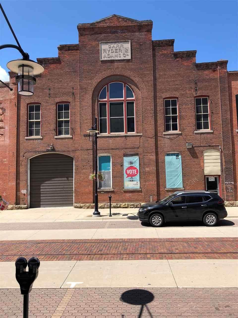 975 Jackson Street - Photo 1