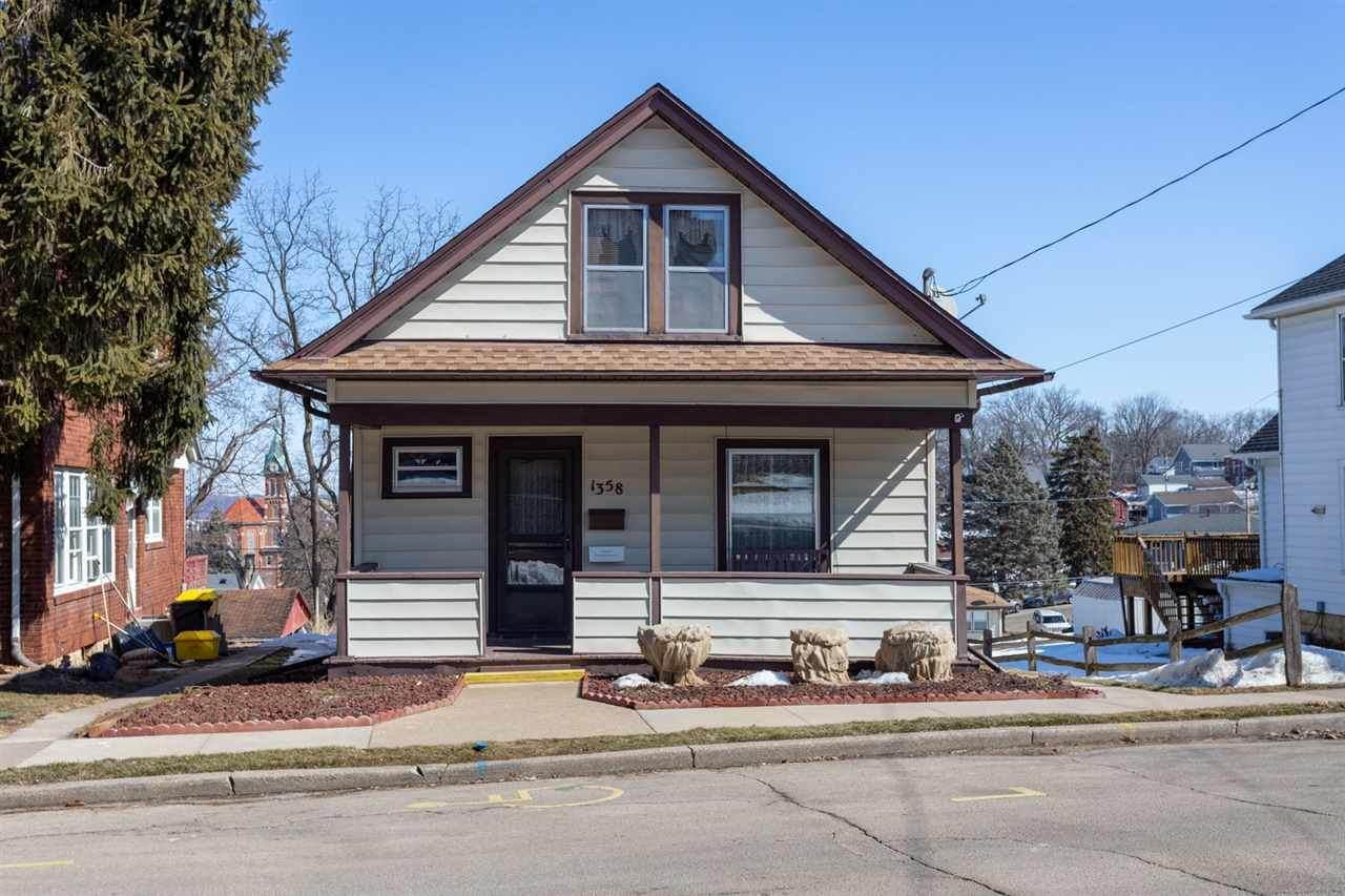 1358 Belmont Street - Photo 1