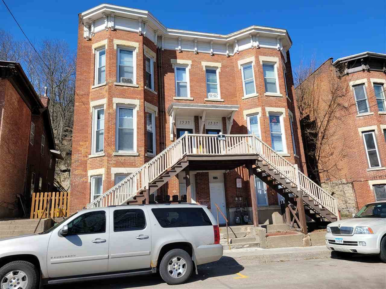 1535-1537 Bluff Street - Photo 1