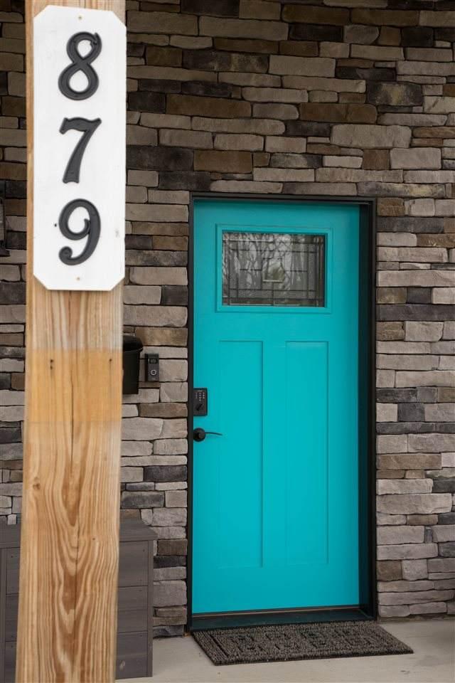 879 Rush Street - Photo 1