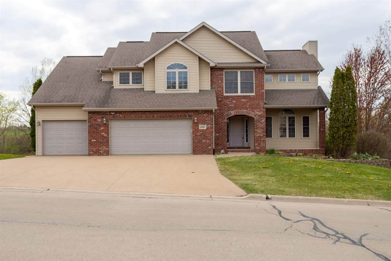 2537 Willow Brook Drive - Photo 1