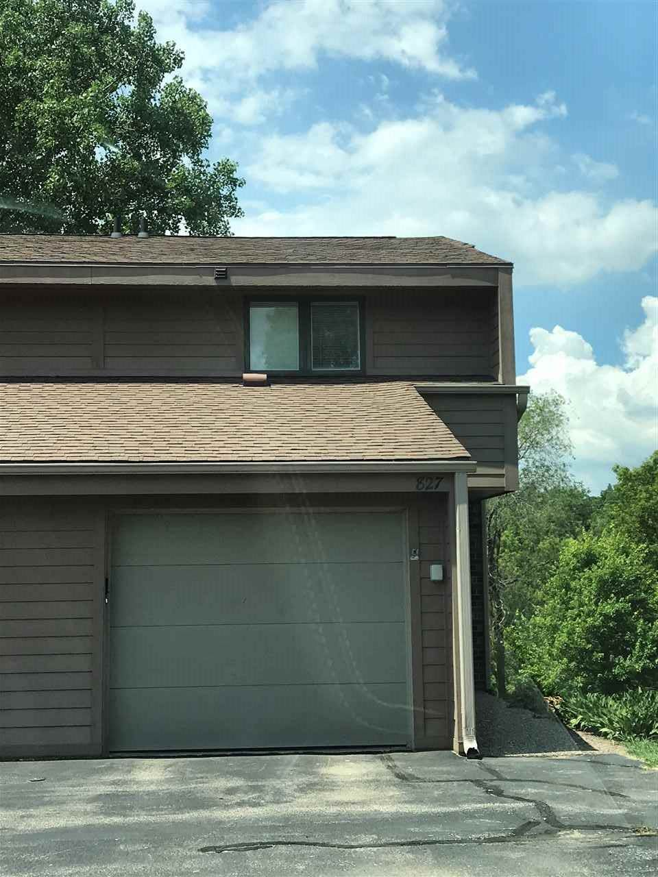 827 Stone Ridge Place - Photo 1