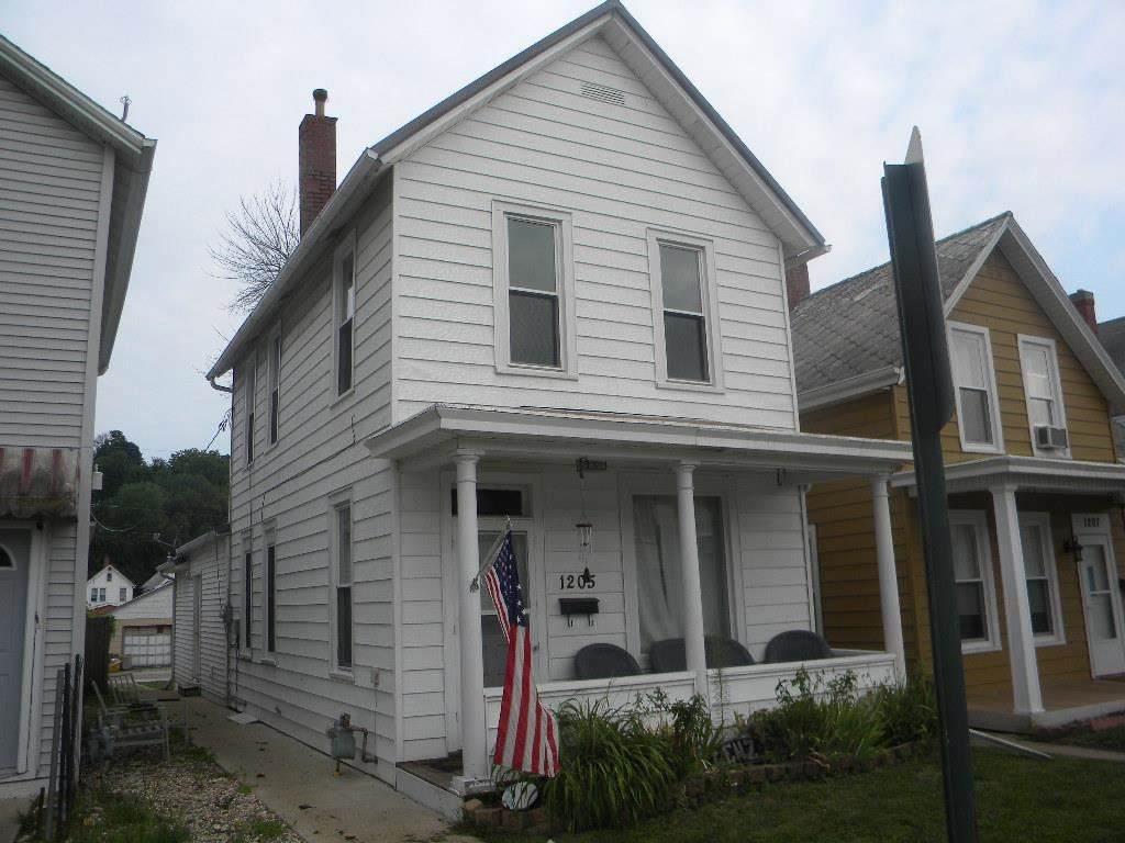 1205 Rhomberg Avenue - Photo 1