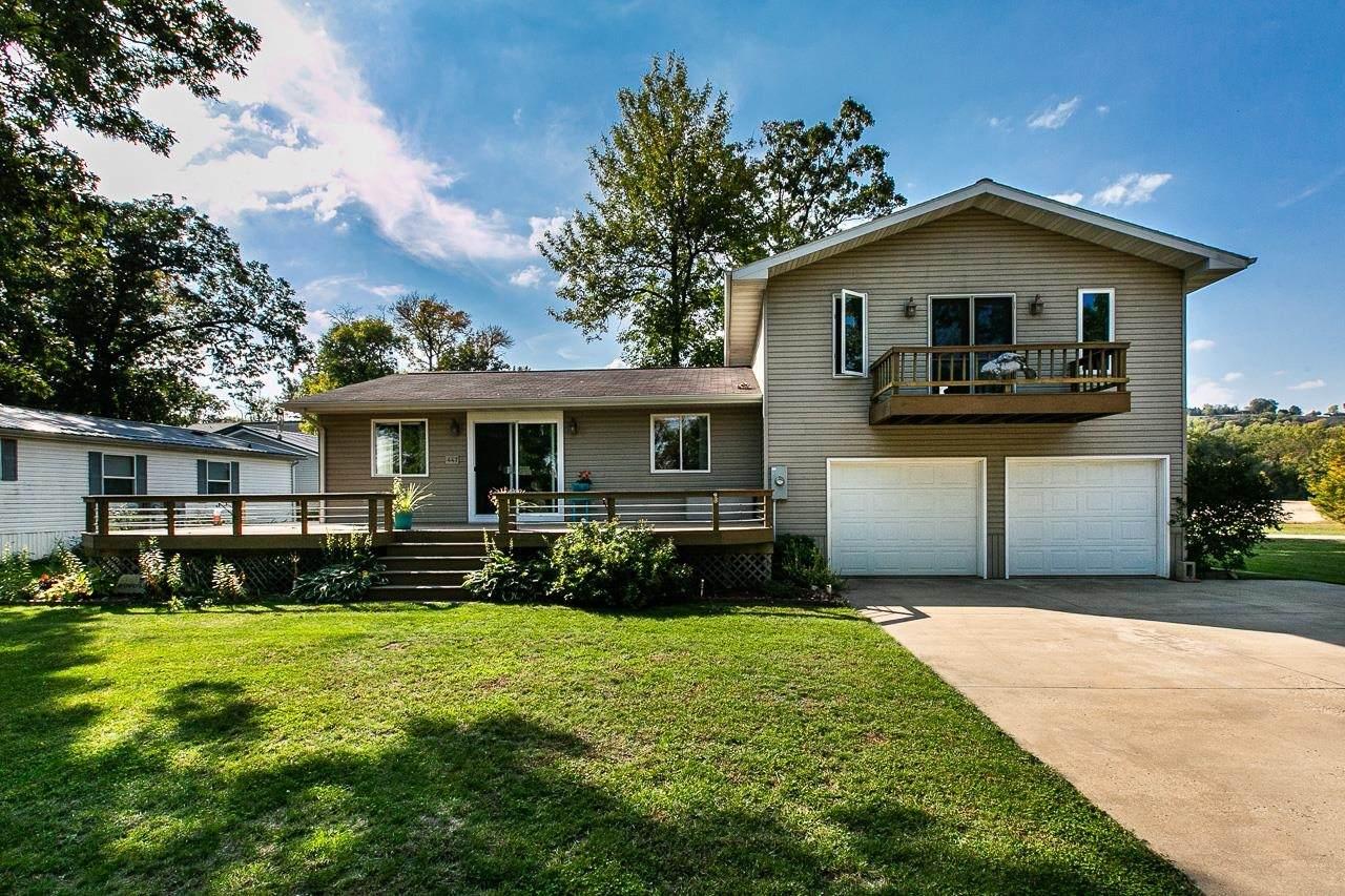 447 White Oak Road - Photo 1