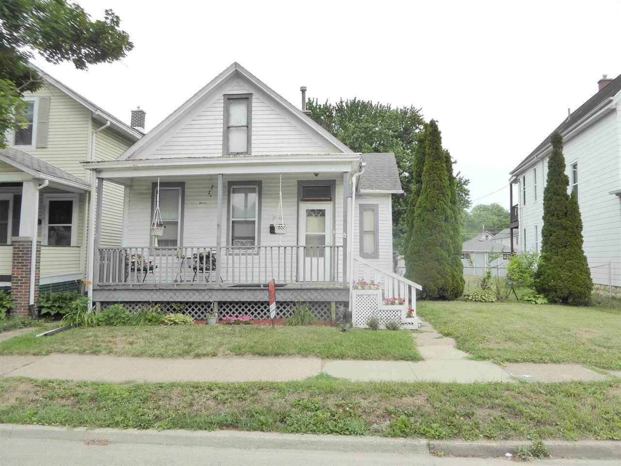 2552 Jackson Street - Photo 1